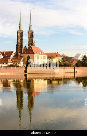 Twin spires of the Cathedral of St. John the Baptist (Katedra św. Jana Chrzciciela), Wrocław, Wroclaw, Wroklaw, Poland - Stock Image