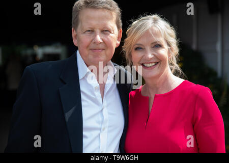London, UK. 20th May, 2019. Bill Turnball and carol Kirkwood attend the RHS Chelsea Flower Show Press Day which takes place before it officially opens tomorrow until Saturday 25th May. The world renowned flower show is a glamourous, fun and an educational day out which is attended by many celebrities. There are many gardens, floral displays, Marquees all set in the glorious grounds of The Royal Hospital Chelsea. Credit: Keith Larby/Alamy Live News - Stock Image