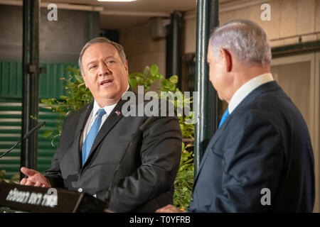 U.S. Secretary of State Mike Pompeo, left, during a joint press conference with Israeli Prime Minister Benjamin Netanyahu at the official residence March 21, 2019 in Jerusalem, Israel. - Stock Image