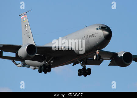 Close up view of a US Air Force KC-135 Stratotanker aerial refuelling aircraft on approach. Military aviation. - Stock Image