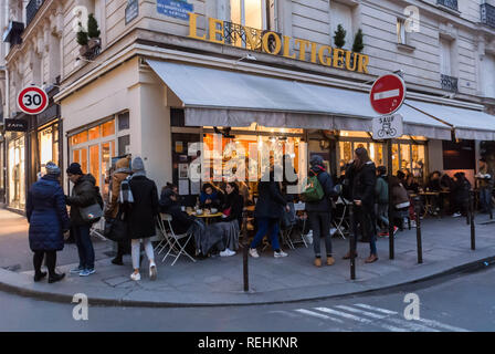 Paris, France, Group People Drinking Coffee on Cafe Terrace in Le Marais Neighborhood, Parisian street scene - Stock Image
