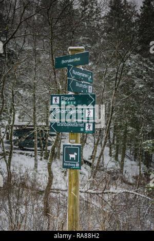 Hiking sign on Mount Floyen, Bergen, Norway. - Stock Image