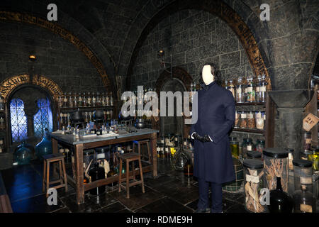 A view of the Potions Classroom at Hogwarts School of Witchcraft and Wizardry, Warner Brothers Studio Tour, Leavesdon - Stock Image