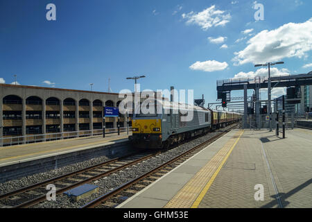 Class 67 Diesel/Electric Locomotive 'Thomas Telford' hauling The Orient Express Pullman Carriages at Reading - Stock Image