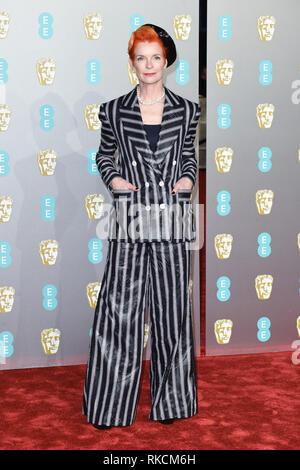London, UK. 10th Feb, 2019. LONDON, UK. February 10, 2019: Sandy Powell arriving for the BAFTA Film Awards 2019 at the Royal Albert Hall, London. Picture: Steve Vas/Featureflash Credit: Paul Smith/Alamy Live News - Stock Image