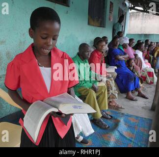 TANZANIA  -  Sean Sprague photo 2018  Small Christian Community gathering at Mabatini, Mwanza. - Stock Image