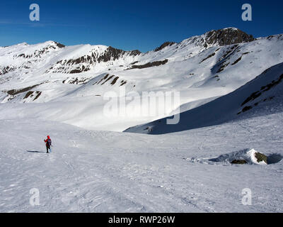 Descending from Col de Longet, Parc regional du Queyras, French Alps - Stock Image
