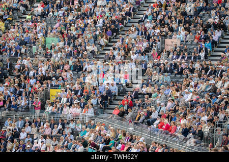 The Queens Club, London, UK. 20th June 2019. Day 4 of The Fever Tree Championships. Jeremy Chardy (FRA) is knocked out by Stefanos Tsitsipas (GRE) on centre court, Tsitsipas winning 4-6 7-6 (0) 7-6 (4). Credit: Malcolm Park/Alamy Live News. - Stock Image