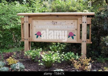 A sign at the entrance to the Rhododendron Garden in Hendricks park in Eugene, Oregon, USA. - Stock Image