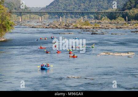 Paddling down the Potomac River at Harper's Ferry, West Virginia - Stock Image