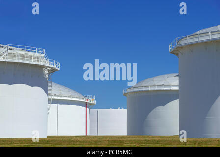 Fuel Storage Tanks, New Jersey USA - Stock Image