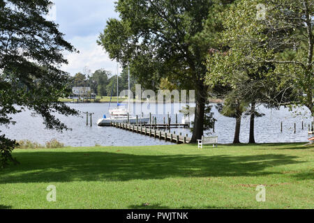 The waterfront in historic Bath, North Carolina USA. - Stock Image