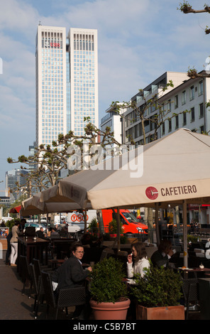 Frankfurt modern architecture shopping centre office buildings cafe´ - Stock Image