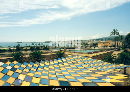 Pattern Roof and view to Parc de la Mar Lake Palma de Mallorca, Majorca, Spain - Stock Image
