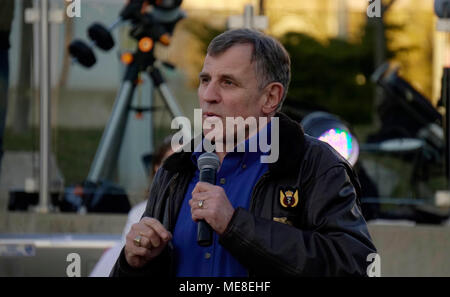 Ontario, Canada, 21 April, 2018. Dr. Dafydd Rhys 'Dave' Williams, retired Canadian CSA astronaut, speaking at Ontario Science Centre on International Astronomy Day, April 21, 2018 Credit: CharlineXia/Alamy Live News  - Stock Image
