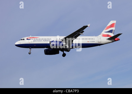 British Airways Airbus A320-232 G-EUUD on approach to Heathrow - Stock Image