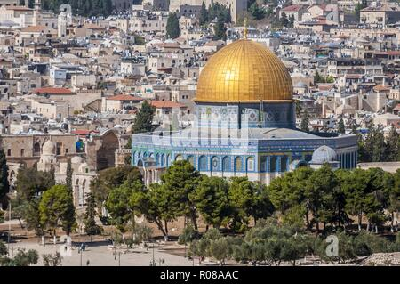 JERUSALEM, ISRAEL. October 30, 2018. A close view of the Dome of the Rock, an Islamic shrine located on the Temple Mount in the Old City of Jerusalem. - Stock Image