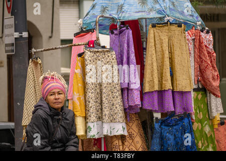 In the Dorrego square in the historic center of the district of San Telmo, Buenos Aires, several vendors meet itinerant. - Stock Image