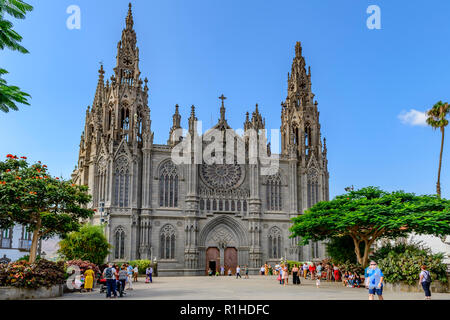 The gothic parish church of San Juan Bautista, Arucas Gran Canaria - Stock Image