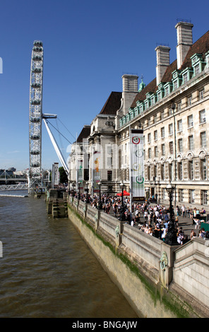 London eye and Saatchi gallery London - Stock Image