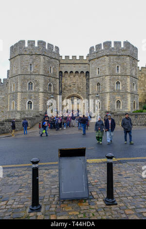 16 December, 2018 Henry VIII gateway entrance to Windsor Castle, Windsor, England, UK - Stock Image