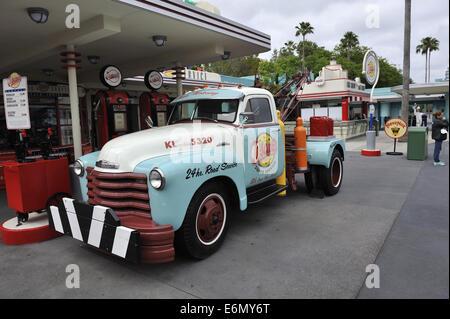 Vintage tow truck, Disney's Hollywood Studios, Orlando, Florida, USA - Stock Image