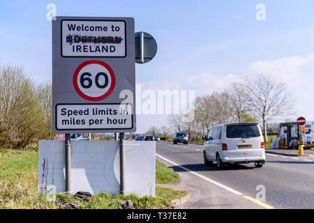 Sign at the Irish border between Northern Ireland and the Republic of Ireland. - Stock Image