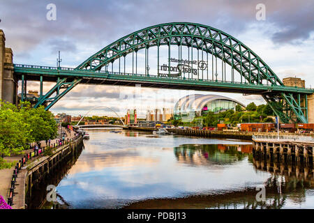 The Tyne riverside with the Tyne Bridge, Millennium Bridge, Sage and Baltic Art Gallery at sunset, Newcastle-upon-Tyne and Gateshead, UK. - Stock Image