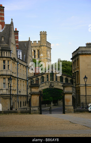 Catte Street Looking Towards Hertford College and Bridge of Sighs, New College Lane, Oxford, Oxfordshire, UK - Stock Image