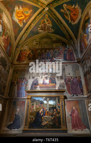 Frescoes on the Life of St Francis, by Domenico Ghirlandaio, Sassetti Chapel, Chiesa di Santa Trinita church Florence - Stock Image