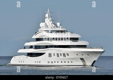 Brandnew yacht Lady Lara performing seatrials at the baltic sea and the Kiel Fjord. - Stock Image