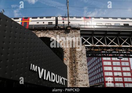 Switzerland, Zurich canton, city of Zurich, Zurich-West; renovated dstrict, Im Viadukt, the covered organic market - Stock Image