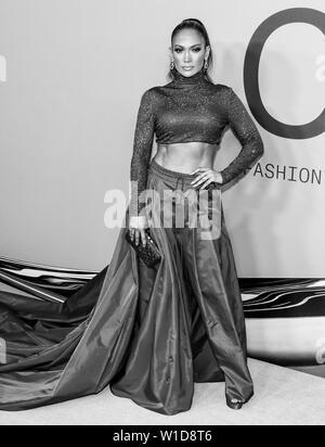 New York, NY - June 03, 2019: Jennifer Lopez attends 2019 CFDA Fashion Awards at Brooklyn Museum - Stock Image