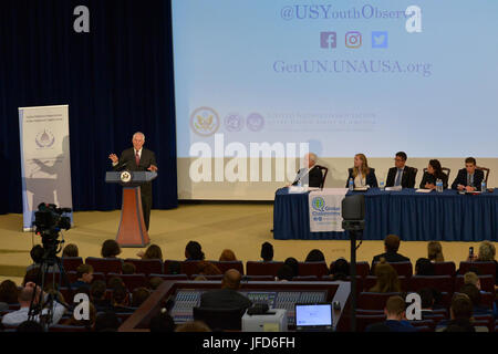 U.S. Secretary of State Rex Tillerson delivers remarks at the Model United Nations Conference at the U.S. Department - Stock Image