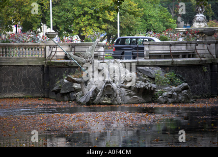Dusseldorf Canal, Bridge and Triton Fountain at Konigsallee Germany - Stock Image
