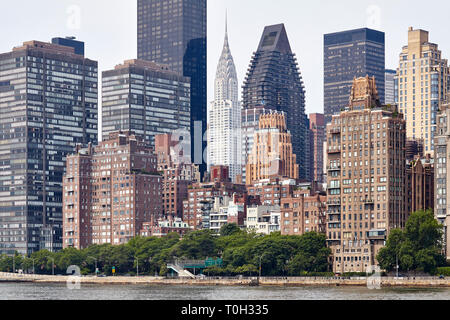 Manhattan skyline seen from the Roosevelt Island, New York City, USA. - Stock Image