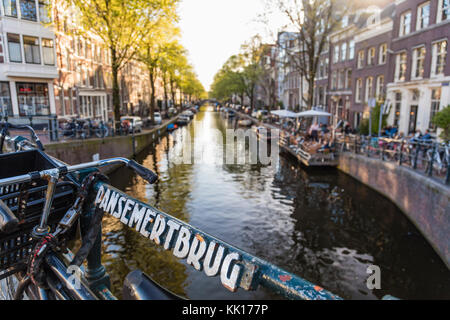 Dansemertbrug and canal in central Amsterdam, The Netherlands - Stock Image