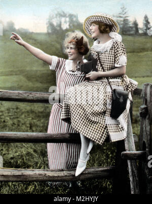 Amateur Photographers, 1930s - Stock Image