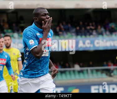 Verona, Italy. 14th Apr, 2019. Stadio Marcantonio Bentegodi, Verona, Italy. 14th Apr, 2019. Serie A football, Chievo versus Napoli; Kalidou Koulibaly of Napoli celebrates after scores 1 - 0 in the 16th minute Credit: Action Plus Sports Images/Alamy Live News - Stock Image