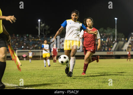 Palmas, Brazil. 30th October, 2015. a Xerente player hold off her opponent from the USA during the final of the - Stock Image