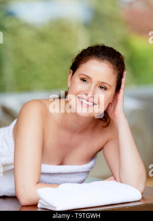 Woman relaxing in a Spa - Stock Image