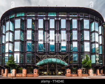 FT Financial Times HQ at refurbished Bracken House in the City of London Financial District. The FT returned to its historic home 2019. - Stock Image
