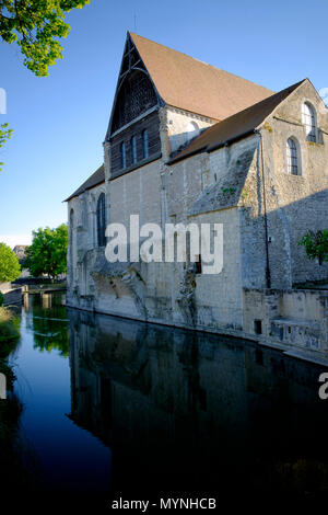 Collégiale Saint-André Art Gallery on the River Eure at Chartres old town - Stock Image