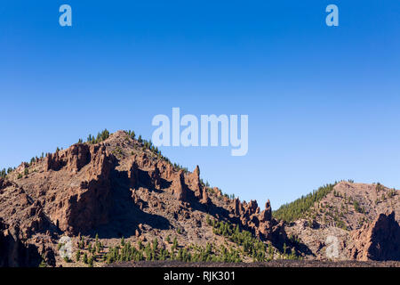 Ridge along the side of the Las Canadas del Teide national park at Boca Tauce, Tenerife, Canary Islands, Spain - Stock Image