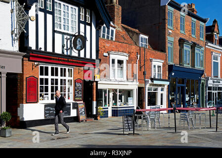 The Queen's Head pub, Wednesday Market, Beverley, East Yorkshire, England UK - Stock Image