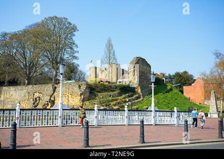 Tonbridge High Street and the Castle Gatehouse, Kent,England - Stock Image