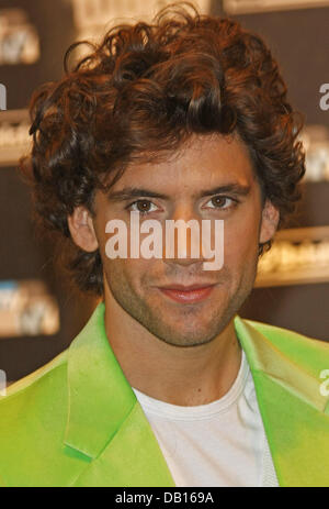Triple award-winner Mika poses during the 2007 World Music Awards taking place at the Sporting Club in Monte Carlo, - Stock Image