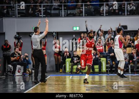 Germany, Bamberg, Brose Arena - 20 Jan 2019 - Basketball, German Cup, BBL - Brose Bamberg vs. Telekom Baskets Bonn - Image: Tyrese Rice (Brose Bamberg, #4), after hitting a 3-pointer.  Photo: Ryan Evans Credit: Ryan Evans/Alamy Live News - Stock Image