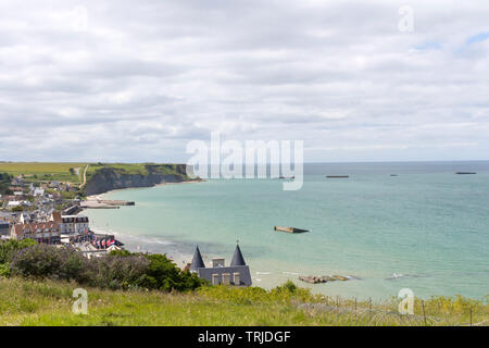 The View From the Cliffs Above Arromanches-les-Bains over Gold Beach and the Remains of the Mulberry Harbour, Normandy, France, Europe - Stock Image