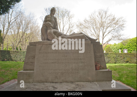 Paris, France, WW1 War Monument in 'Pere Lachaise' Cemetery, Italian Troops - Stock Image